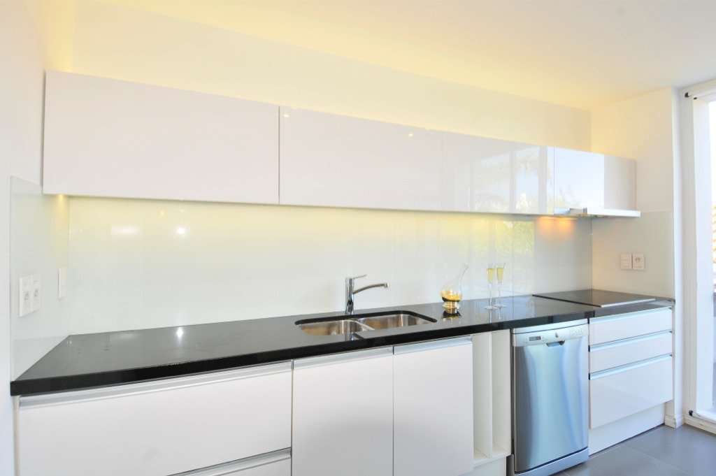 1 Glass Splash Blanco En Cocina